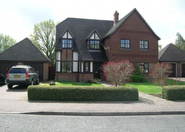 Thumbnail Detached house to rent in Oakdene, Beaconsfield