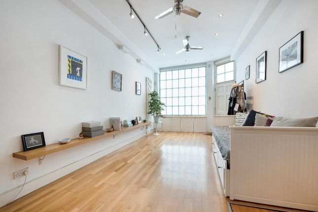 Thumbnail Property to rent in Triangle Estate, Kennington Lane, London