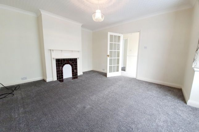 3 bed detached bungalow to rent in Edwards Avenue, Ruislip HA4