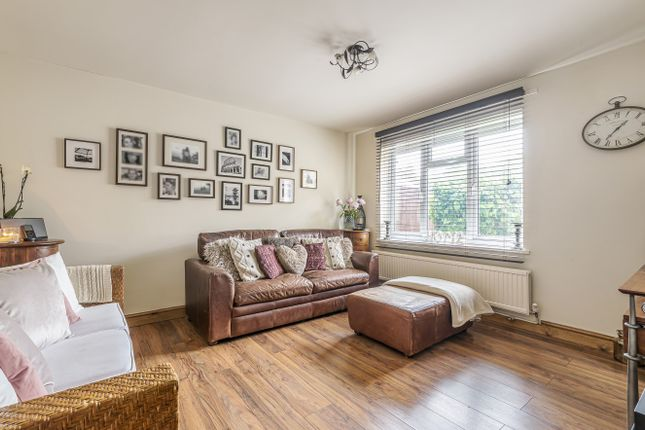Sitting Room of Williamson Close, Grayswood, Haslemere GU27