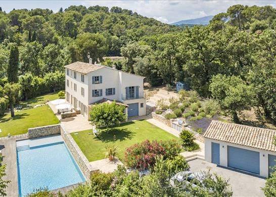 Thumbnail Property for sale in Roquefort-Les-Pins, France
