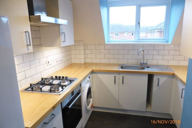 Thumbnail Flat to rent in Chantry Gate, Bishops Cleeve, Cheltenham