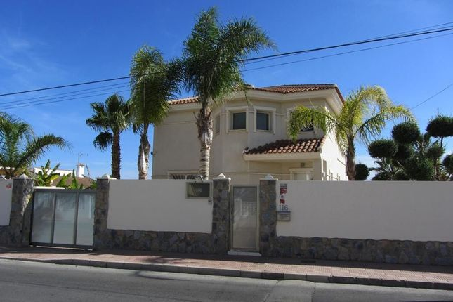 Thumbnail Villa for sale in Calle Alicante, 113, 03178 Cdad. Quesada, Alicante, Spain