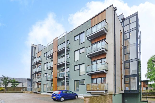 Flat to rent in The Wharf, Old Mill Wharf, Droylsden, Manchester