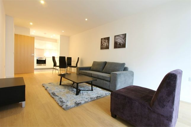 Thumbnail Flat to rent in 6 Saffron Central Square, Croydon, Surrey