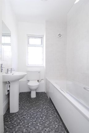Thumbnail Flat to rent in Prospect Street, Flat 3, Plymouth