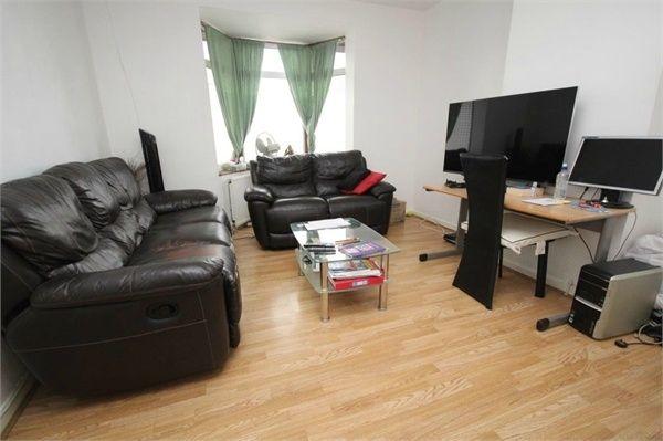 3 bed terraced house for sale in Goresbrook Road, Dagenham, Essex