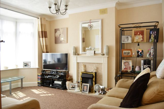 Thumbnail Terraced house for sale in Bellingham Road, Catford