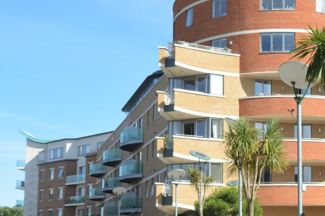 Flat for sale in The Cooperage, Brewery Square