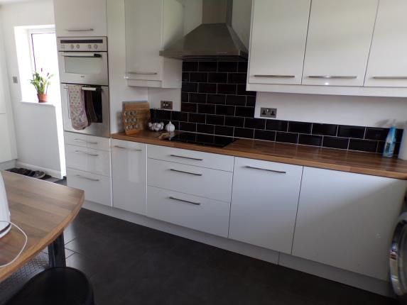 Fitted Kitchen of Farnborough Road, Clifton, Nottingham, Nottinghamshire NG11