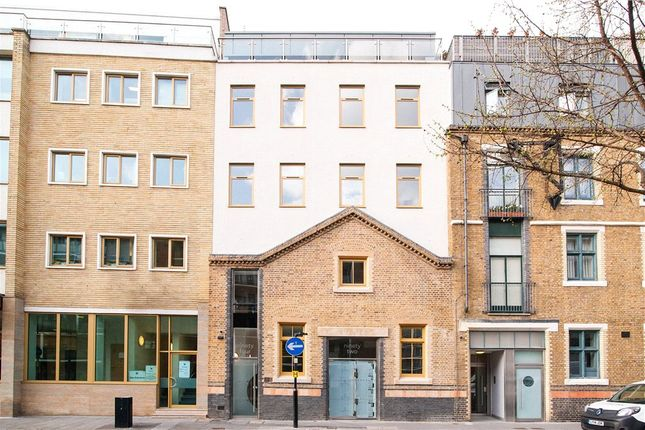 Thumbnail Flat for sale in Banner Street, London