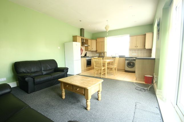 Thumbnail Detached bungalow to rent in 65Pppw - Debdon Gardens, Heaton