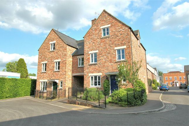 4 bed semi-detached house for sale in Prowse Close, Thornbury, Bristol