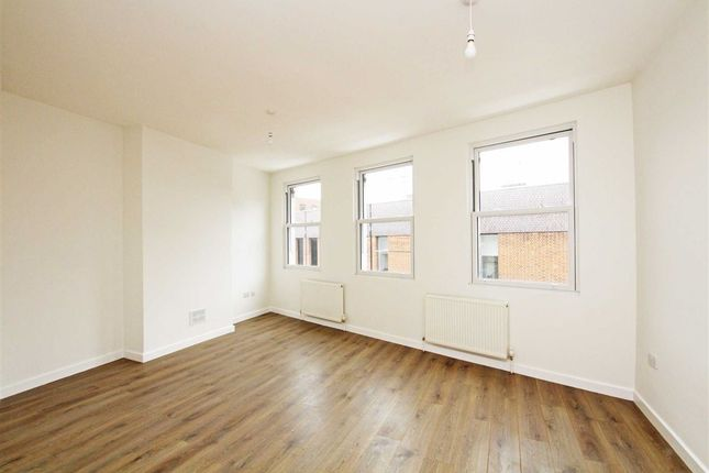 Thumbnail Flat to rent in Eden Street, Kingston Upon Thames