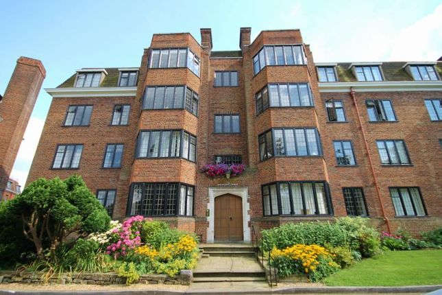 Thumbnail Flat to rent in Manor Fields, Putney
