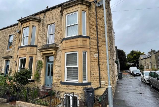 2 bed end terrace house for sale in Byrom Street, Todmorden OL14