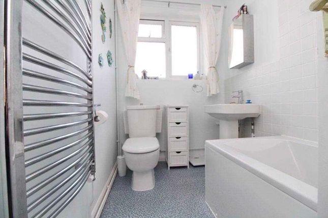 Family Bathroom of Woodlands, Chelmondiston, Ipswich IP9