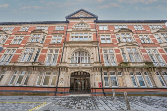 1 bed flat for sale in High Street, Kings Court NP20