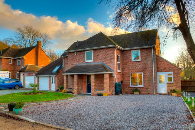 Thumbnail Detached house for sale in Coningham Road, Reading