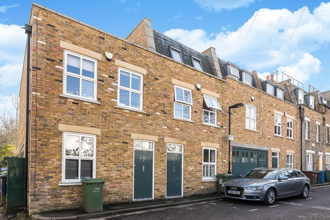 Thumbnail Town house for sale in Canning Cross, London