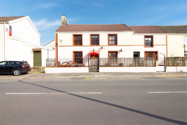 2 bed flat for sale in Cardiff Road, Aberdare, Mid Glamorgan CF44