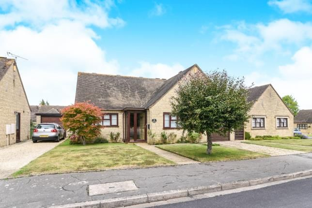 Thumbnail Bungalow for sale in Willow Road, Willersey, Broadway, Worcestershire