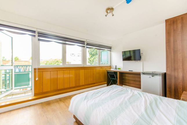 Thumbnail Flat to rent in Ritson House, Barnsbury Estate, Islington
