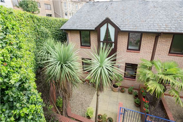 3 bedroom terraced house for sale in Royal York Mews, Royal York Crescent, Clifton, Bristol