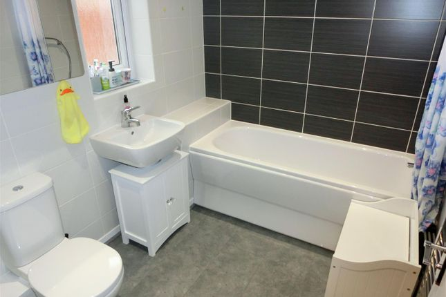 Family Bathroom of Berry Maud Lane, Shirley, Solihull B90