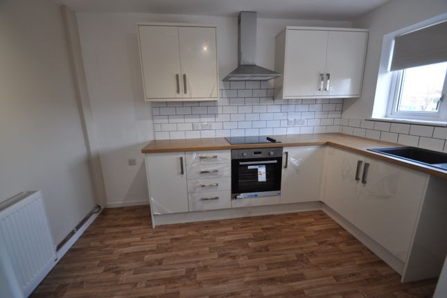 Thumbnail Maisonette for sale in Goodwin Parade, West Hull