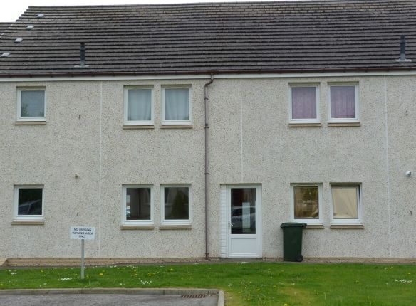 Thumbnail Flat to rent in Garmouth Place, Lhanbryde, Elgin