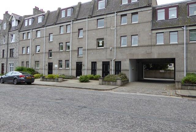 2 bed flat to rent in Whitehall Place, Aberdeen AB25 - Zoopla