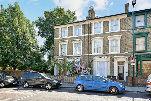Thumbnail Terraced house for sale in Lauriston Road, London