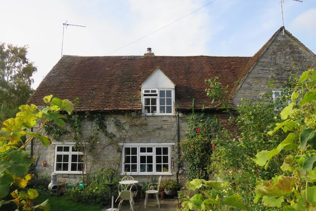 End terrace house for sale in The Bank, Marlcliff, Alcester