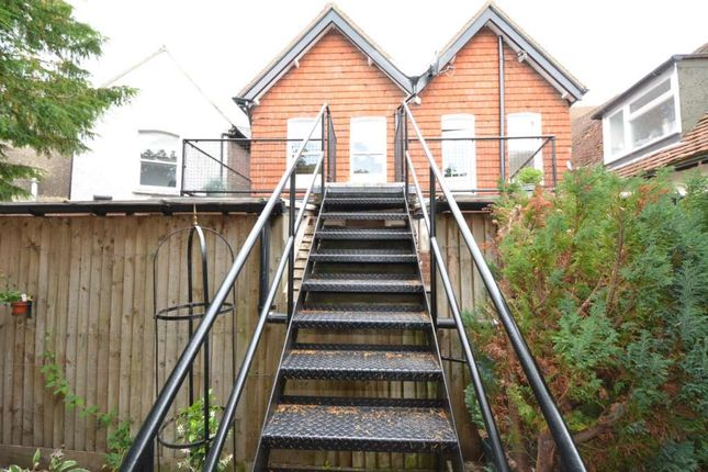 Thumbnail Flat to rent in Queens Square, High Street, Princes Risborough