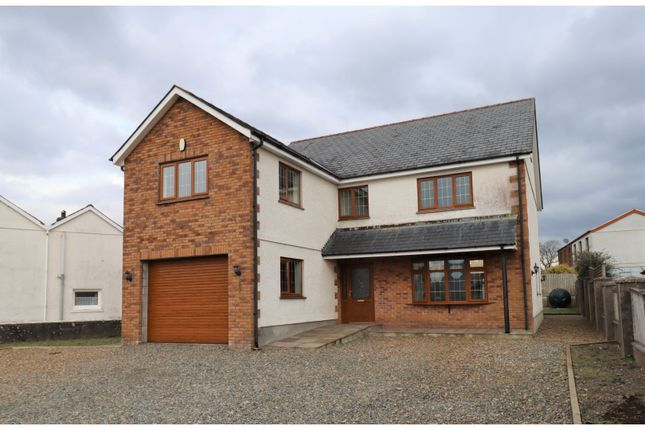 Thumbnail Detached house for sale in Pendref Rd, Llangadog