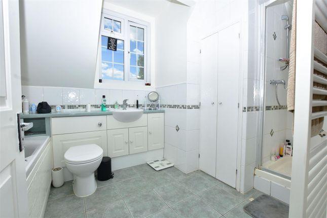 Bathroom of Wrotham Road, Meopham, Gravesend DA13