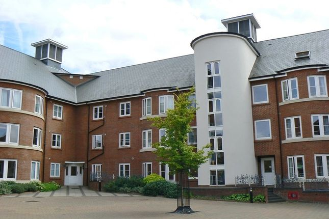 Thumbnail Flat to rent in Quakers Court, Abingdon-On-Thames