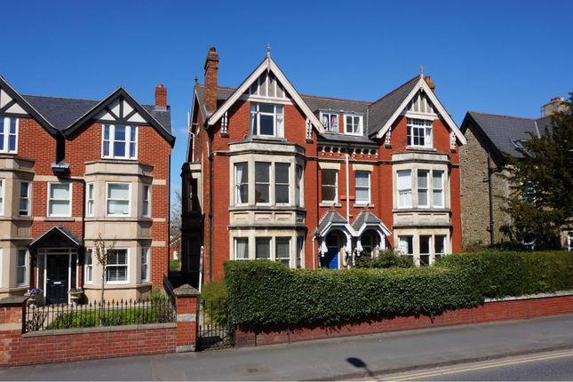 Thumbnail Semi-detached house for sale in Bath Road, Swindon