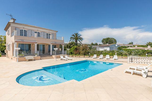 Villa for sale in Villeneuve-Loubet, French Riviera, France