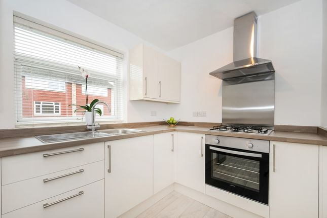 Thumbnail Flat to rent in Park View, Sydney Road, Haywards Heath