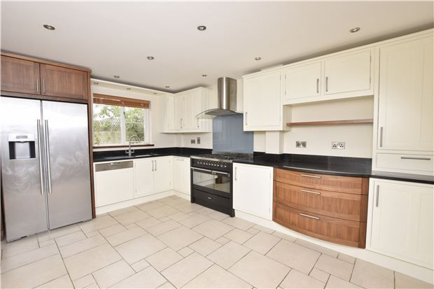 Thumbnail Detached house for sale in Compton Way, Witney, Oxfordshire