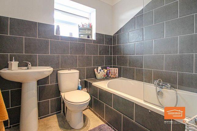 Bathroom of Green Lane, Shelfield WS4