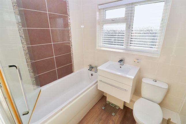 Bathroom/W.C of Birdwell Drive, Great Sankey, Warrington WA5