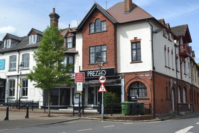Thumbnail Restaurant/cafe to let in Market Square, Alton