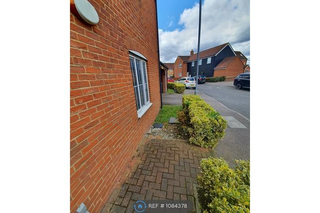 2 bed flat to rent in St. Johns Road, Arlesey SG15