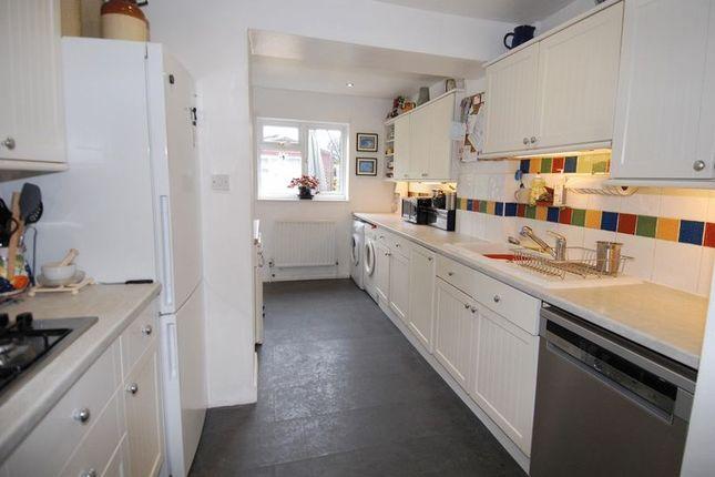 Kitchen of Queens Avenue, Kidlington OX5