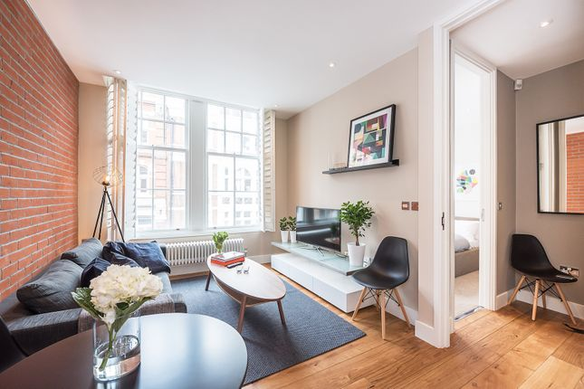 Thumbnail Flat to rent in Long Acre, London