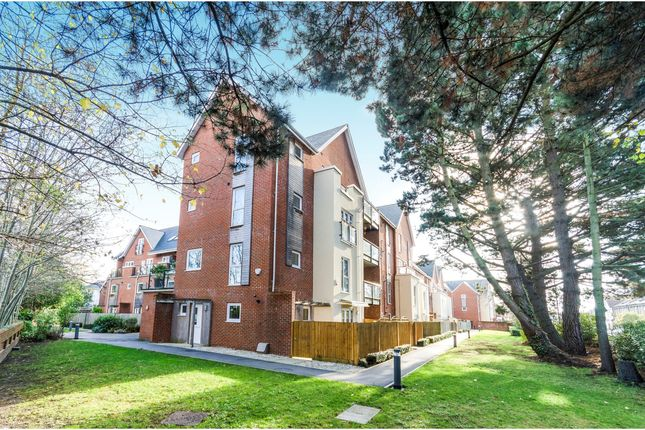 Thumbnail Flat for sale in Archers Road, Banister Park, Southampton