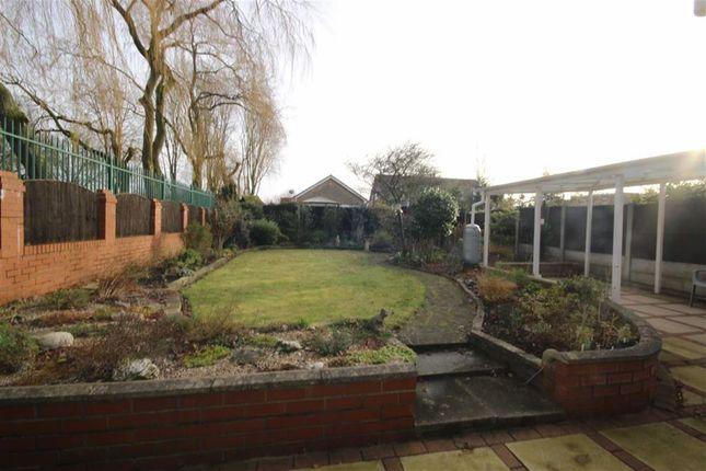 carlton close worsley manchester m28 2 bedroom bungalow. Black Bedroom Furniture Sets. Home Design Ideas